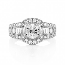 Exquisite Round Cut Diamond Ring